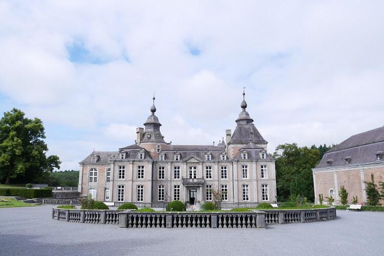 ベルギー在住だからアルデンヌ地方のモダーヴ城挙式にこだわりました!!