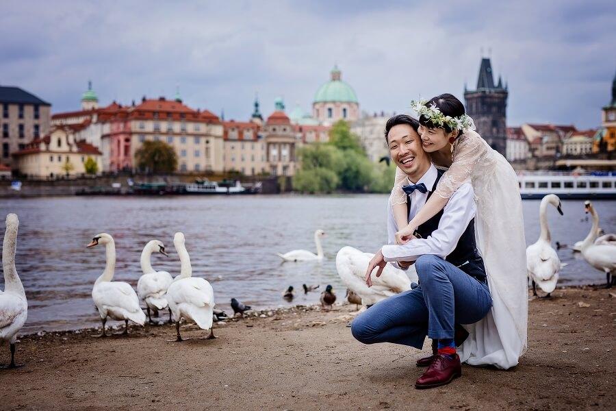 海外恋愛映画のようなプラハの教会で挙式。手配は3ヶ月前、諦めず実現!!