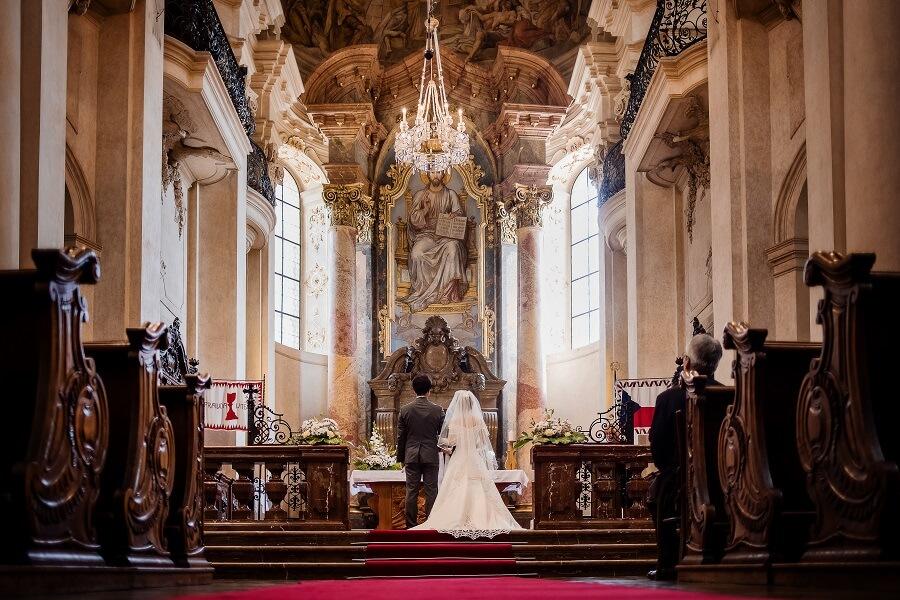 初めてのチェコ・プラハは魅力が満載。聖ミクラーシュ教会での挙式を決断して本当に良かったです!!