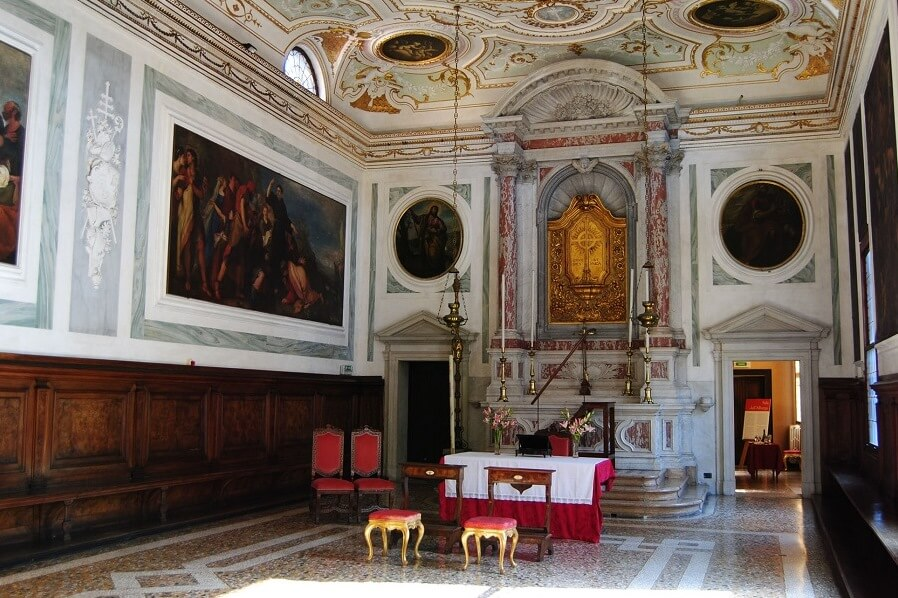 水の都ヴェネツィアはカーニヴァル真っ最中!神聖なチャペルでの挙式も大成功!!