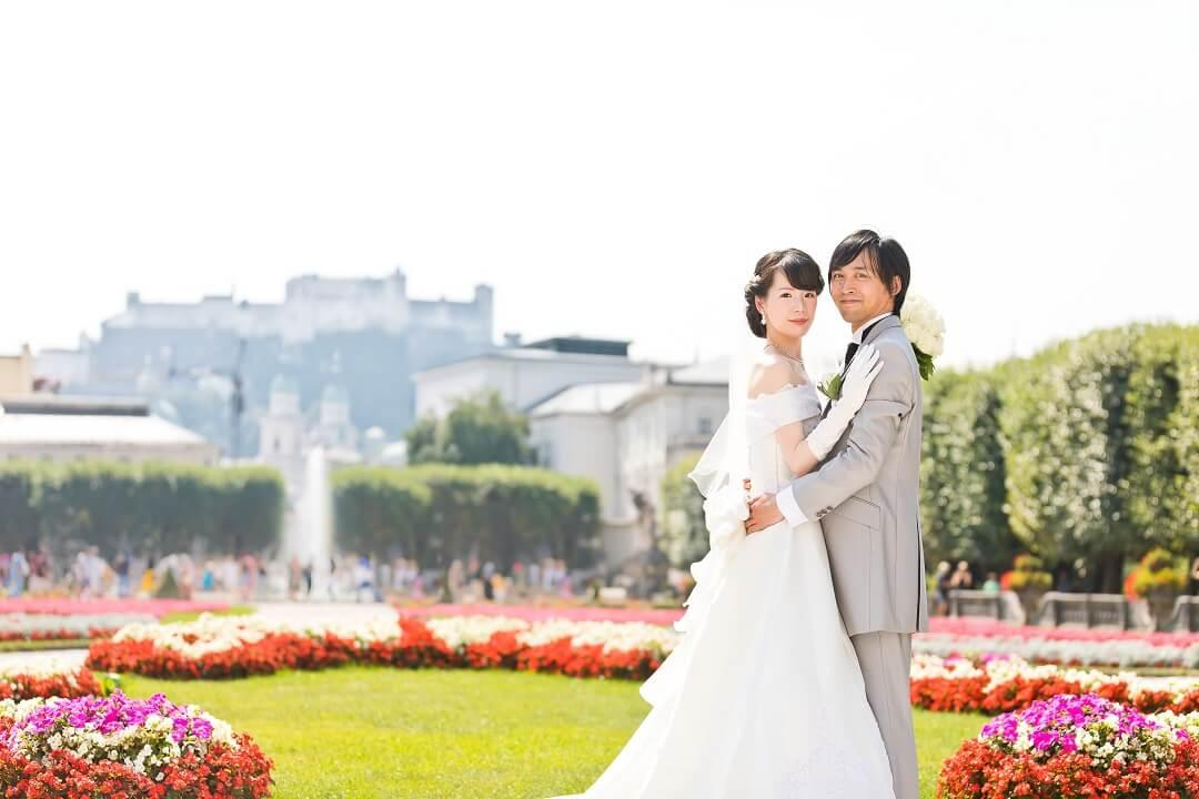気分はシンデレラ!白馬の結婚式!!ザルツブルクのミラベル宮殿にて。