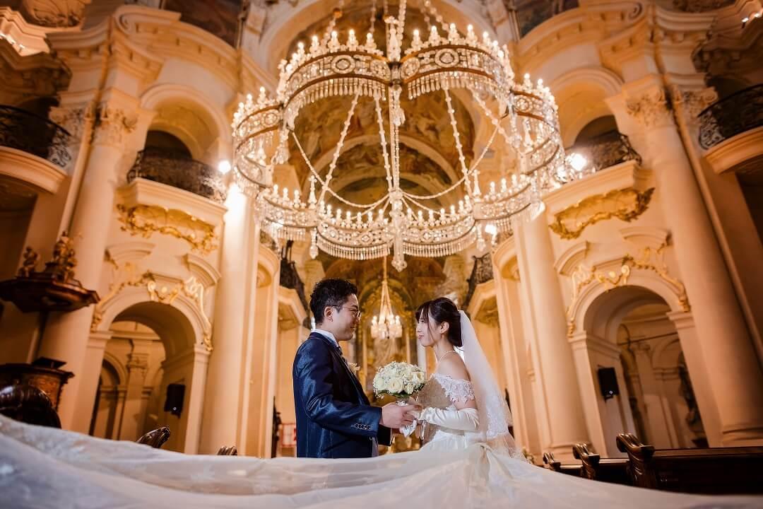 """私たちのプラハ挙式は""""困難な時こそ夫婦で支え合う""""言葉の真髄を体験しました!!"""