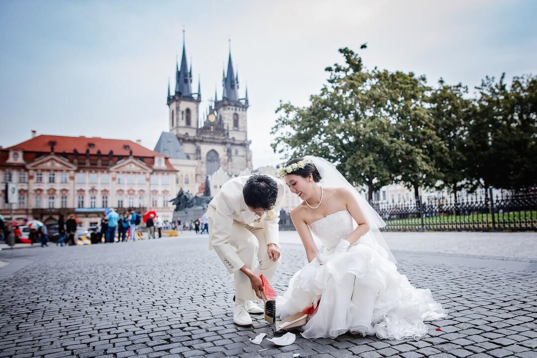 思い出のチェコプラハでの挙式は、心が揺さぶられる高揚感がありました。